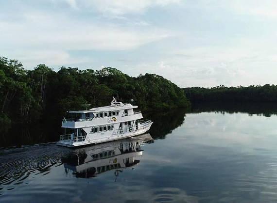 barco hotel kalua para pesca na Amazônia