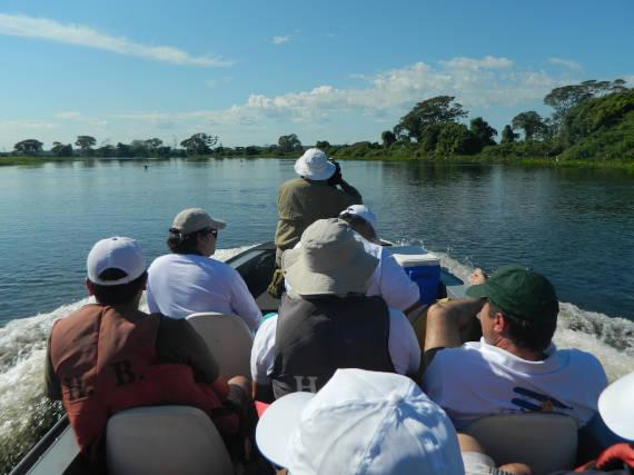 grupo de pescaria no pantanal