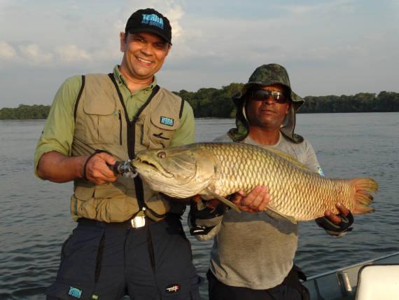 guia de pesca na viagem com pacotes de pesca