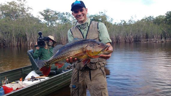 pesca na Amazônia no rio itapara