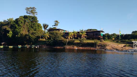 pacotes de pesca com pousada na selva