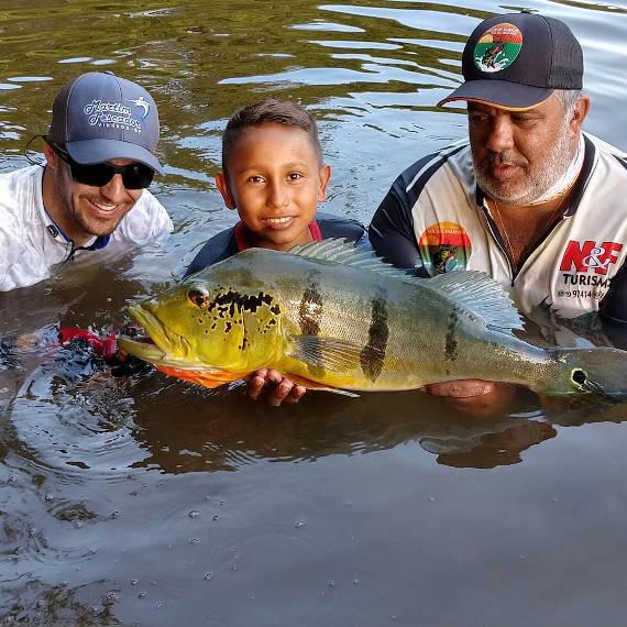 pesca na Amazônia no rio juma