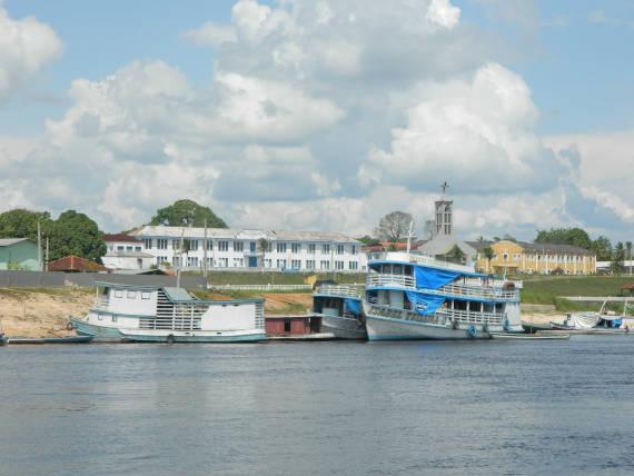 pesca na Amazônia no município santa isabel do rio negro